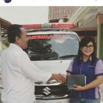 Foto Penyerahan Unit 2 Sales Marketing Mobil Dealer Suzuki Fitriani Al