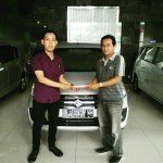 Foto Penyerahan Unit 4 Sales Marketing Mobil Dealer Suzuki Nadhor
