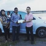 Foto Penyerahan Unit 5 Sales Marketing Mobil Dealer Suzuki Nadhor