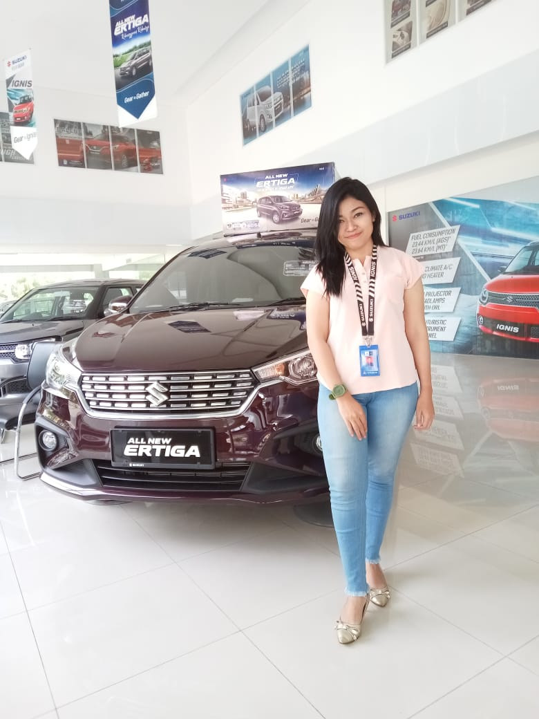 Sales Marketing Mobil Dealer Suzuki Heny