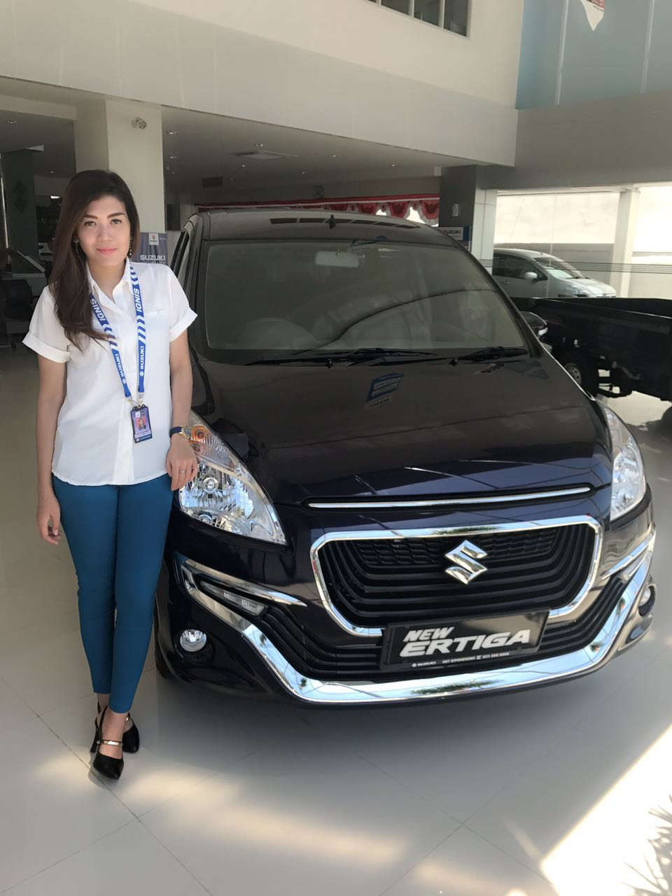 Sales Marketing Mobil Suzuki Meta