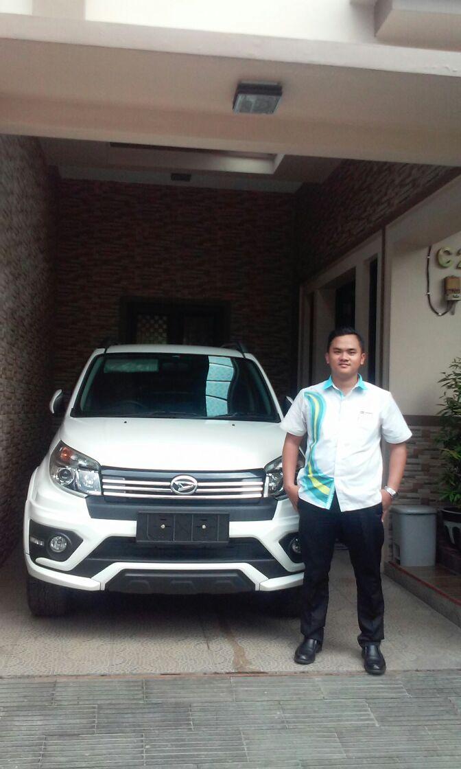 Sales Marketing Mobil Dealer Daihatsu Surabaya Bachtiar Rifai