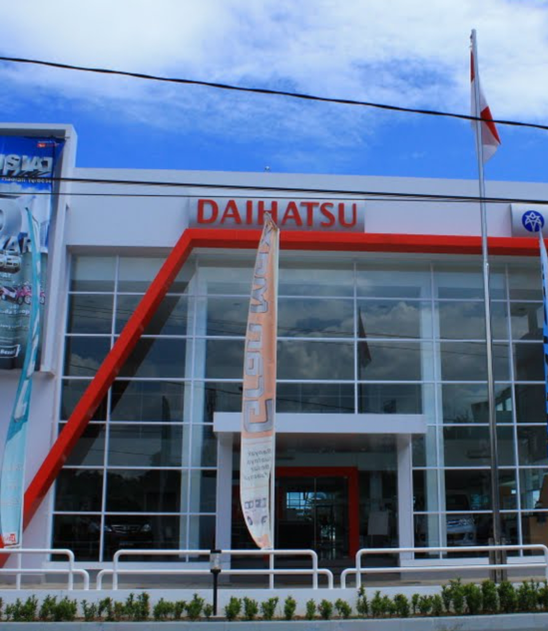 Sales Marketing Mobil Dealer Daihatsu Asri